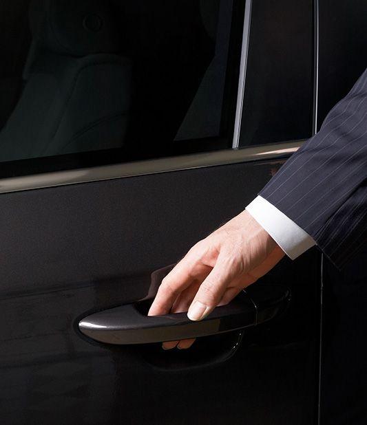 Noleggio auto con servizio chauffeur Avis