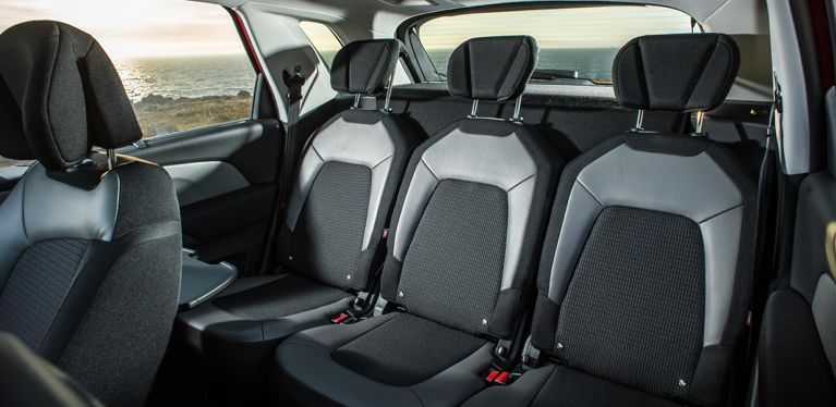 7 Or 8 Seat Car Minibus And Minivan Hire Avis