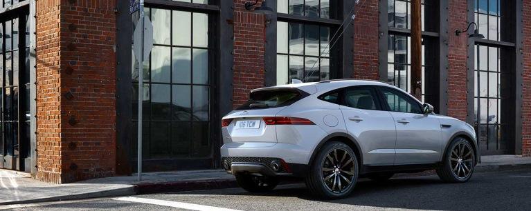 Jaguar E-Pace Avis Autókölcsönző
