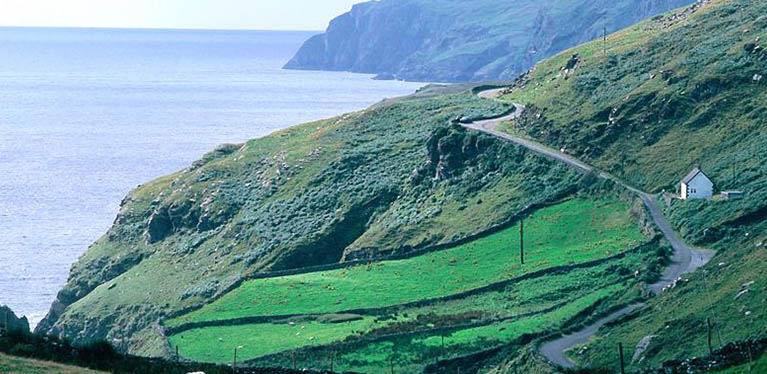 Ireland-Coastal-Road