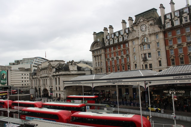 Hire your Avis car from London Victoria Railway Station