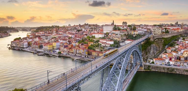 Avis has rental stores at Porto Airport and Porto town centre.