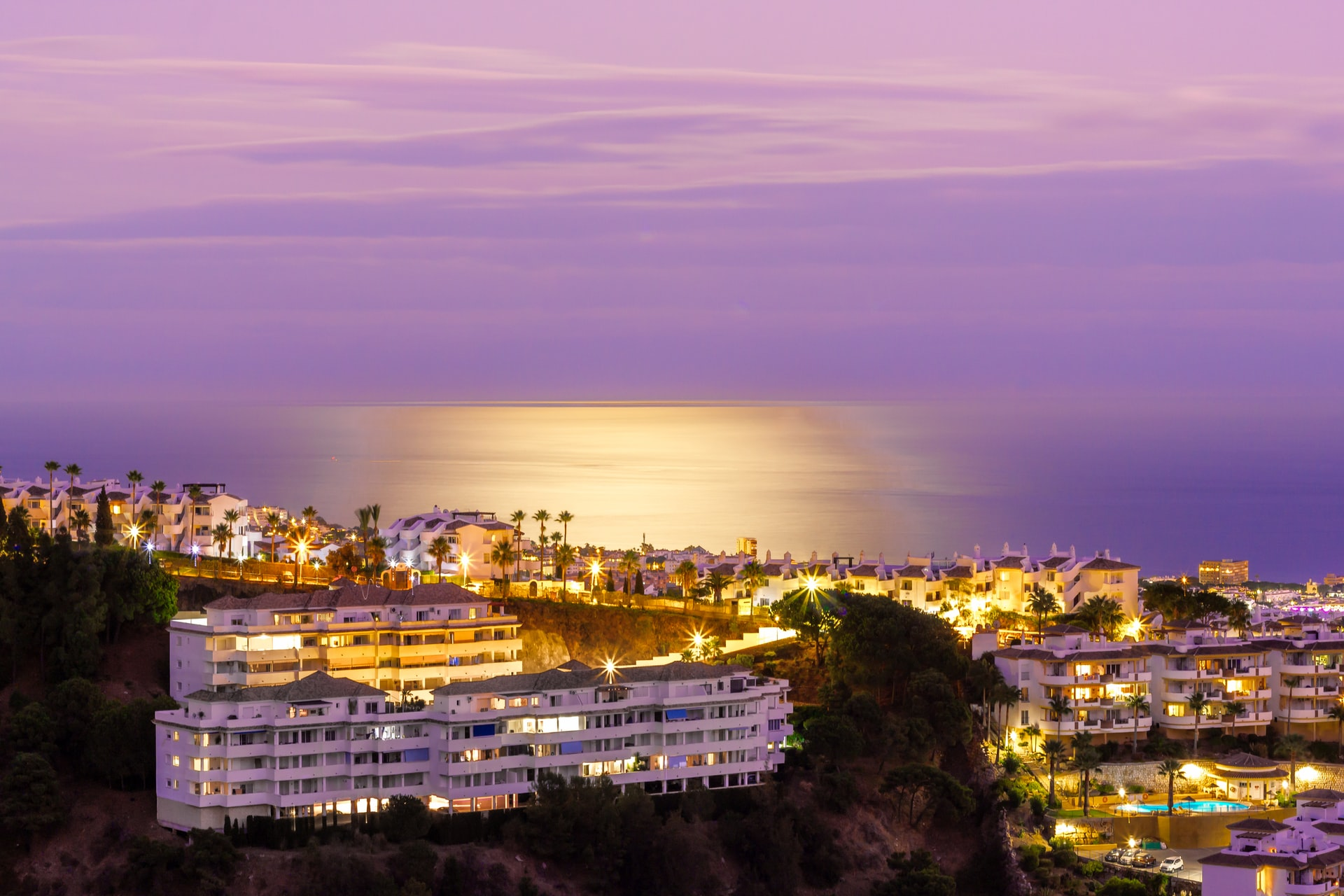 Explore with Avis car hire in Marbella