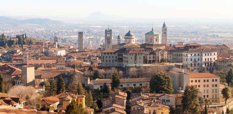 Hire an Avis car in Milan